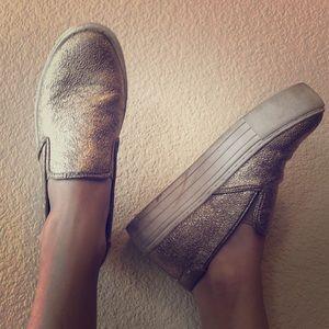 Kenneth Cole Metallic Gold Platform Sneaker